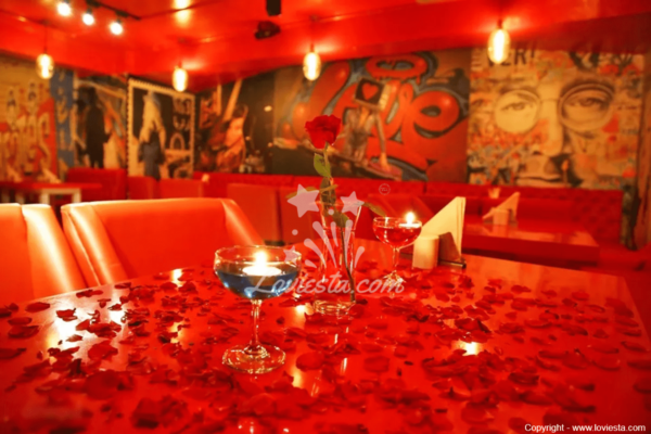 romantic-dine-out-in-noida