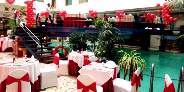valentine-romantic-poolside-dinner-date-mumbai