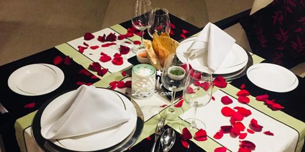 valentine-special-buffet-dinner-at-vivanta-dwarka
